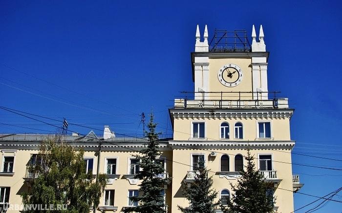 Гид по Новокузнецку: башня с часами в Кузнецком районе