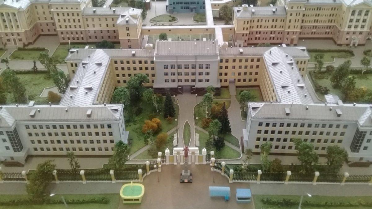 Хроники Первой городской больницы: жить, творить, лечить